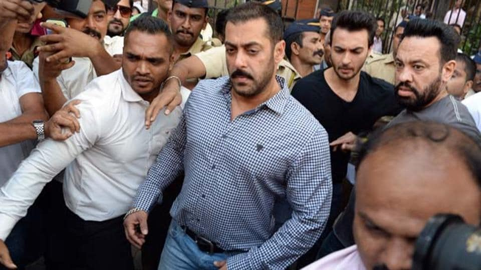"The defence counsel representing Salman Khan in the infamous poaching case here, has claimed that he received a death threat from an ""international gangster."