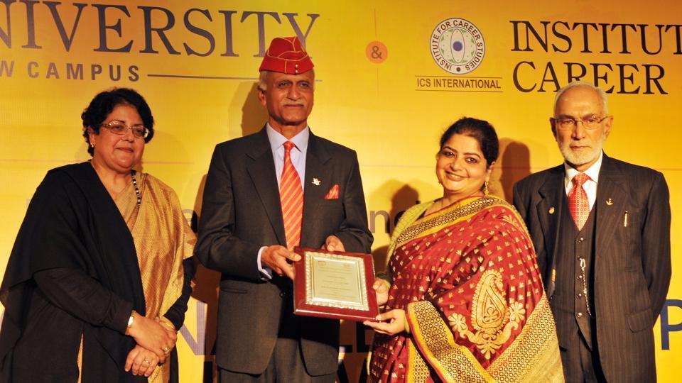 (L-R) Amrita Dass, General Manvendra Singh, Aashrita Dass and Maj Gen KK Ohri (V-C Amity University) at the event.