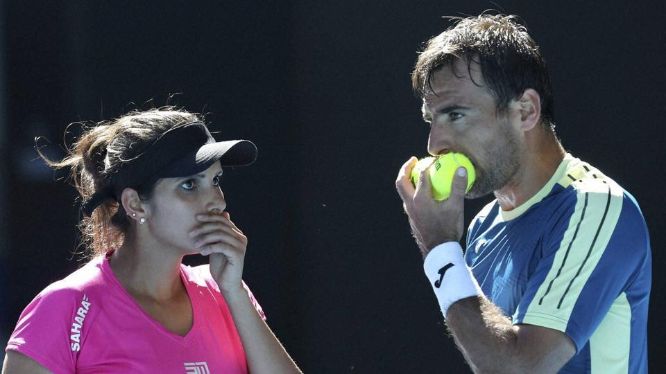 Abigail Spears-Jan Sebastian Cabal beat Sania Mirza-Ivan Dodig 6-2,6-4 in the final to win the Australian Open mixed doubles title.