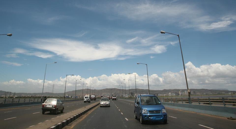 Expressway,Accident,Mumbai