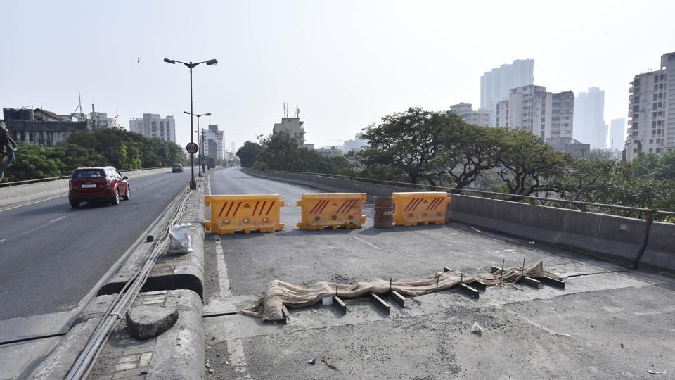 This is the second incident in the last four months when traffic was halted on the crucial connector as the cracks developed.