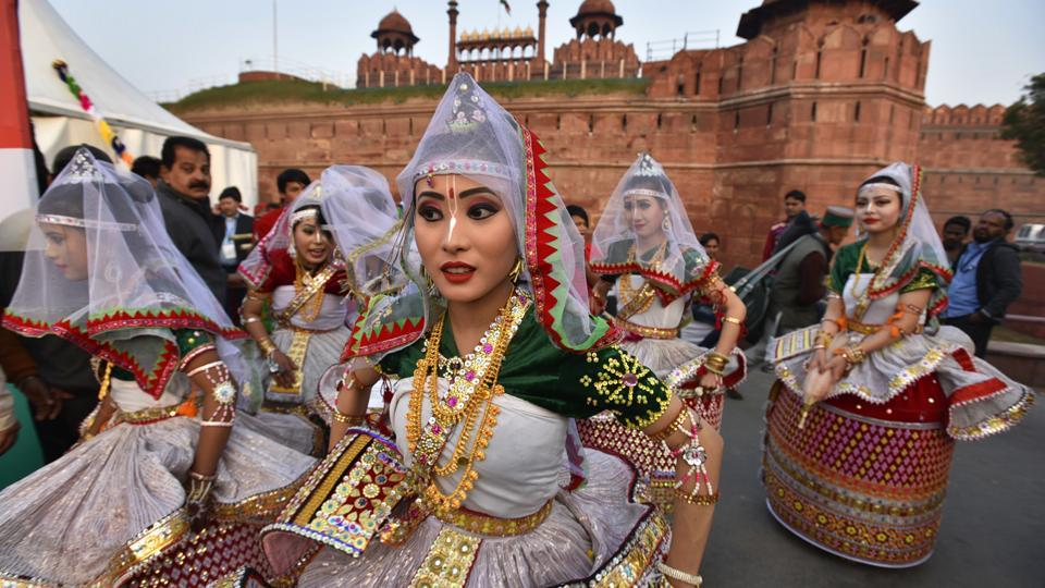 """Manipur folk dance artists get ready to perform on stage during 'Bharat Parv', at Red Fort. The """"Bharat Parv"""" event is being organized by the government at the Red Fort, Delhi from 26th to 31st January 2017, as part of the Republic Day 2017 celebrations. (Raj K Raj/HT PHOTO)"""