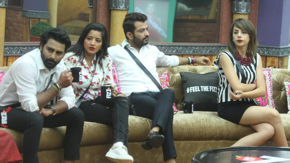 Manveer, Manu and Monalisa have been close buddies and were dubbed M3. (Colors)