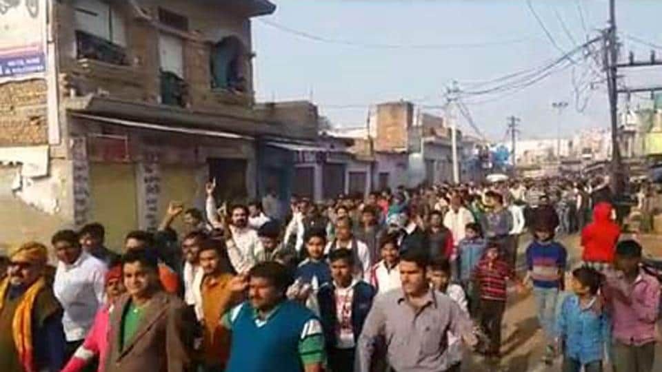 Thousands of people protest against the police over the death of a minor girl after she was gang-raped in Nadbai of Bharatpur district in Rajasthan. Police said the girl committed suicide after the gang rape, but locals said she was murdered.