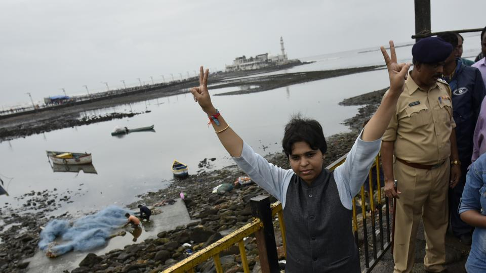 Gender rights activist Trupti Desai outside Haji Ali Dargah after the Bombay high court lifted the ban on women's entry its the sanctum sanctorum.