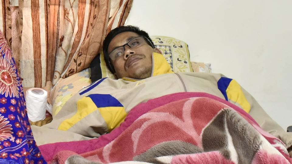 Dingko Singh, the Indian boxer who won the Asian Games gold medal in 1998 in Bangkok, is battling liver cancer.