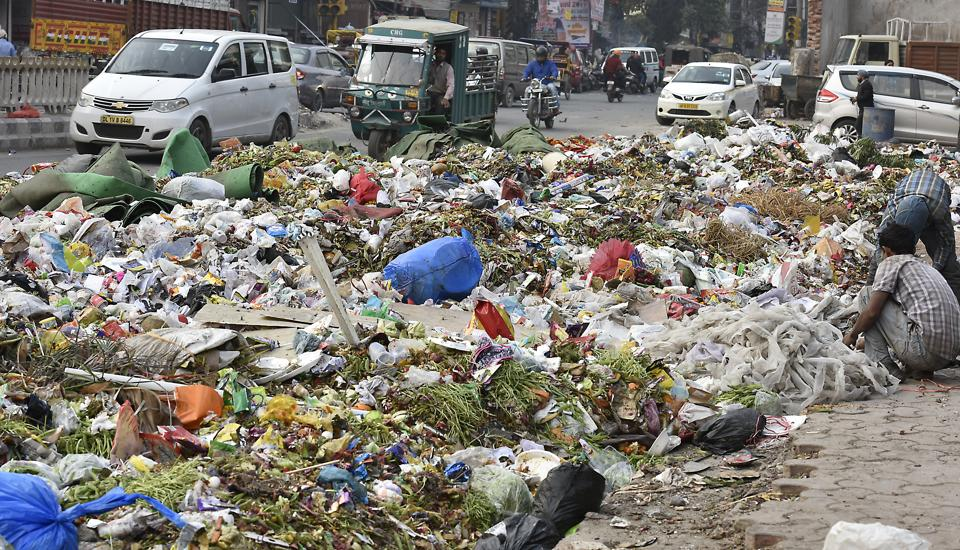 Garbage dumped near Shakarpur during the strike by the sanitation workers of the East Delhi MCD over non-payment of salaries.