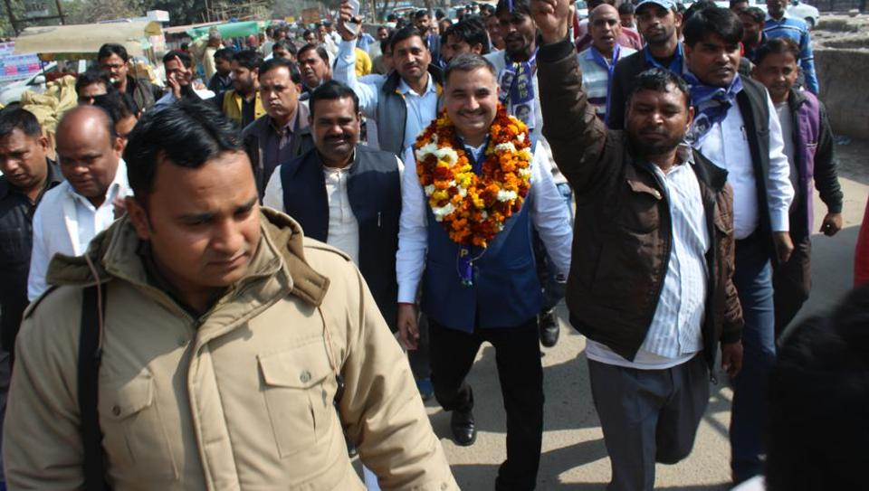 BSP candidate for Noida Ravi Kant Mishra, along with his supporters, are visiting residential sectors and urban villages.