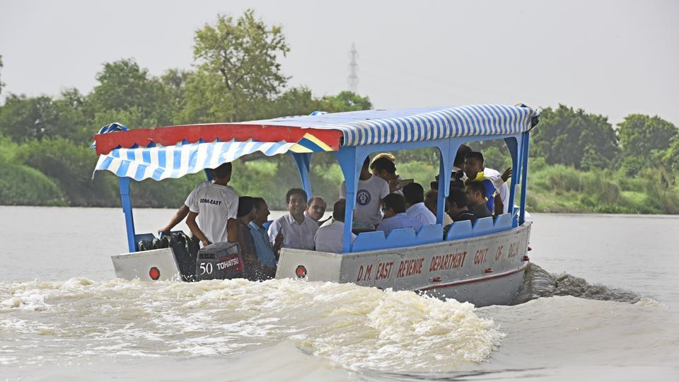 Delhi to Haryana in 45 min as Centre plans water taxis on Yamuna ...