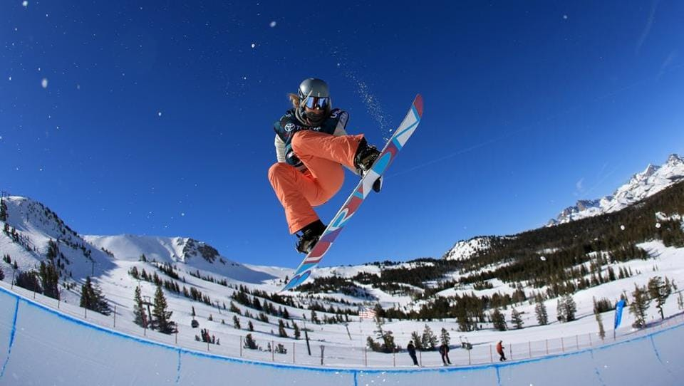 Emily Arthur of Australia takes a practice run at the FIS Snowboard World Cup 2017 Ladies' Snowboard Halfpipe during the Toyota U.S. Grand Prix at Mammoth Mountain on January 31, 2017 in Mammoth, California.  (Sean M. Haffey/Getty Images / AFP)