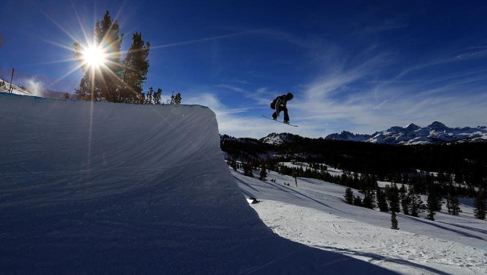 Kirra Kotsenburg practices at the event.   (Sean M. Haffey/Getty Images/AFP AFP)