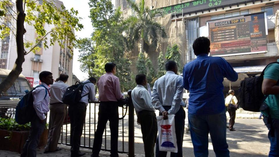 After Finance Minister Arun Jaitley delivered his Budget speech on Wednesday, people at the Bombay Stock Exchange had mixed views about what the budget had to offer.