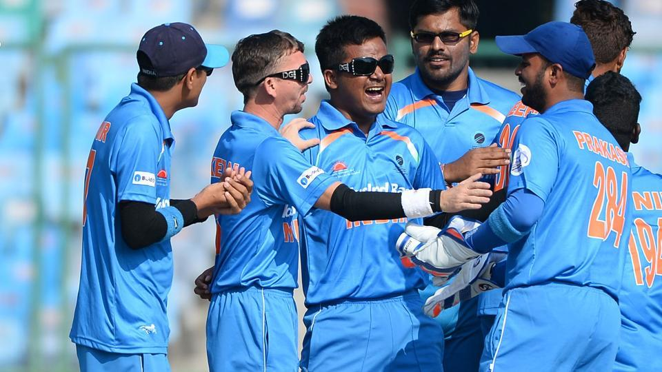 India's cricketers lost a high-scoring thriller versus arch-rivals Pakistan in the Blind cricket World T20 encounter in New Delhi.