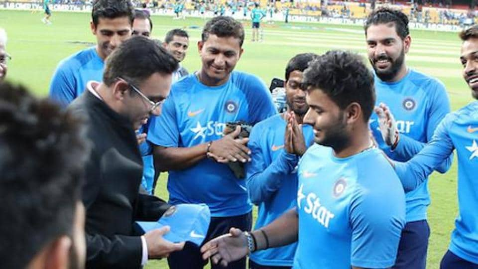 Rishabh Pant being presented his first India cap during the 3rd T20I between India and England in Bangalore.