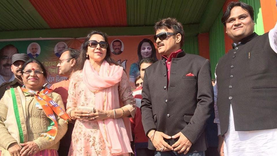 Actor and BJP MP Hema Malini (second from left) with other leaders at a rally in Pathankot on Tuesday.