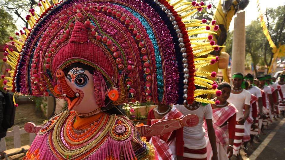Artists from Jharkhand perform a dance during the press preview of Surajkund Mela at Faridabad, Haryana. For the first time in the history of Surajkund International Crafts Mela, Jharkhand has been chosen as a theme state, which begins on 1st of February at the sprawling Surajkund landscape. (Virendra Singh Gosain/HT Photo)