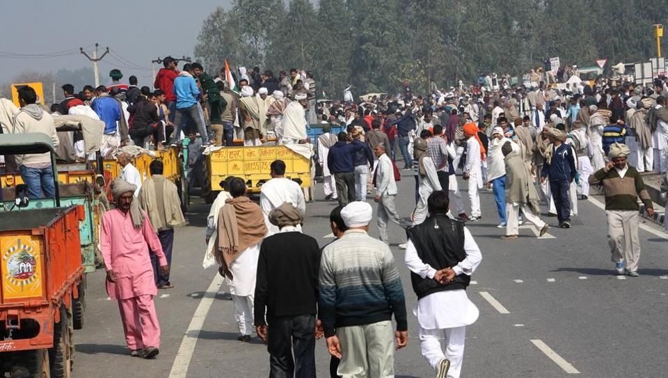 The Rohtak-Panipat national highway remained blocked for hours as Jat protesters thronged dharna site at Jassia village inRohtak district on Wednesday.