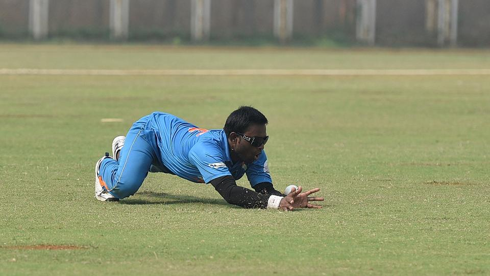An Indian B1 player is successful in helping his team save some runs. (Arijit Sen/HT PHOTO)
