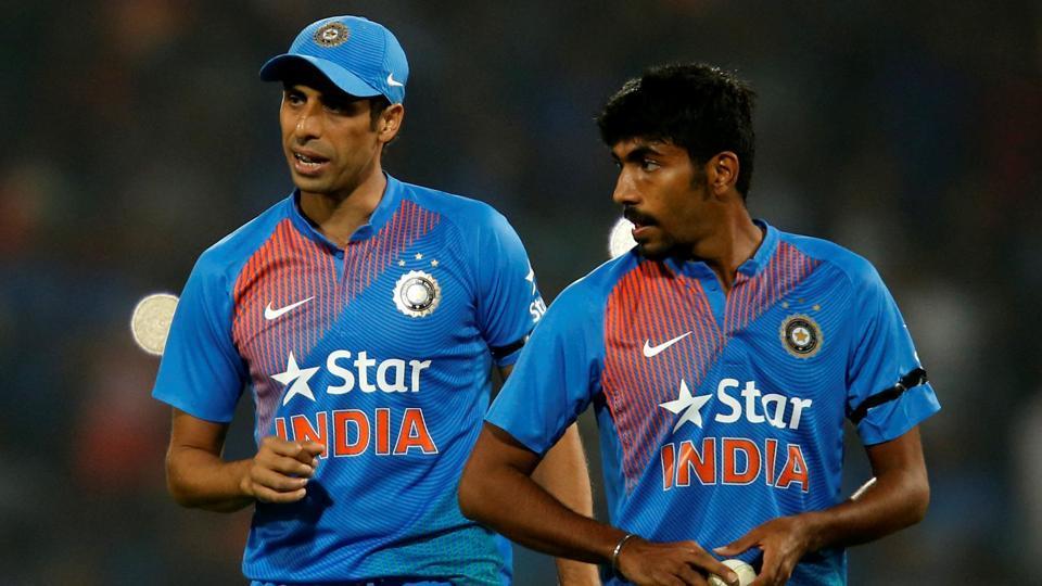 Ashish Nehra,Virat Kohli,India national cricket team