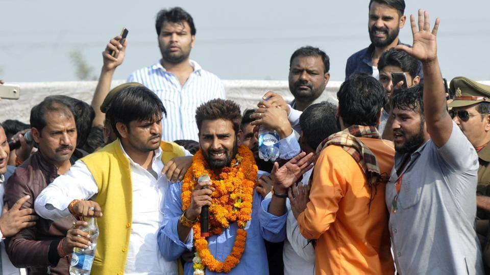 Manveer Gurjar, winner of Bigg Boss 10, greets fans in Noida.