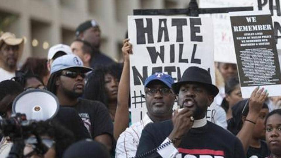 Racism,Black school,Racist grapffiti
