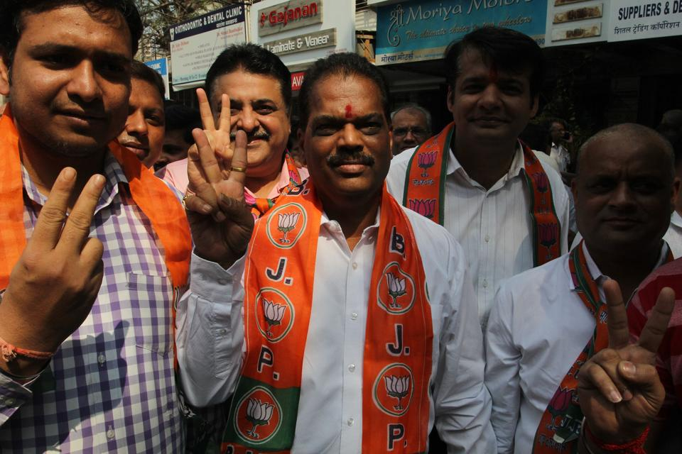Prabhakar Shinde, who defected from the Shiv Sena to the BJP,is on his way to file nomination  on Friday.