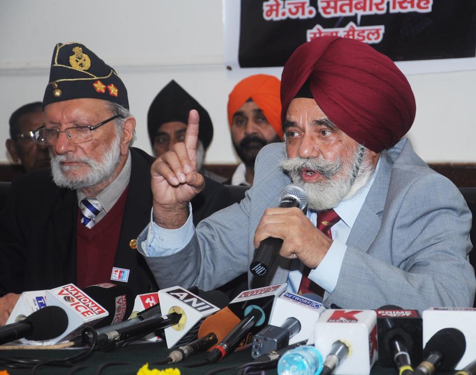 Member of the Indian Ex-Servicemen Movement (IESM) Maj Gen (Retd) Satbir Singh addresses a press conference in Dehradun on Saturday.