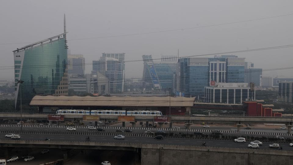 The finer particulate matter (PM 2.5) level was recorded at 434 micrograms per cubic metre (µg/m³) against the permissible limit of 60 µg/m³.