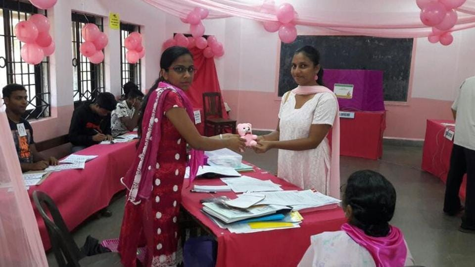 First-time women voters get teddy bears in Panaji, Goa.