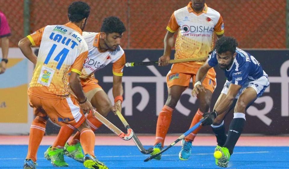 Dabang Mumbai defeated Kalinga Lancers 5-2 in the Hockey India League 2017.