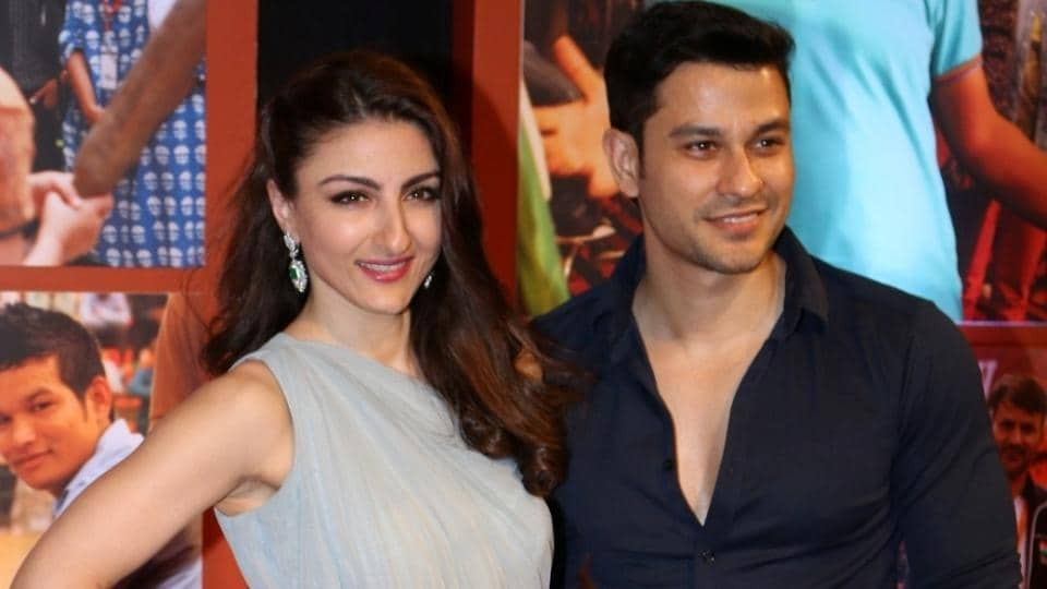 Actor Kunal Kemu with his wife and actor Soha Ali Khan pose for the cameras at the success party of Dangal. (IANS)