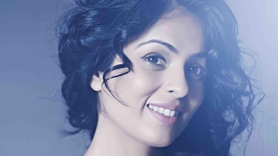 Anjana Sukhani,Golmaal Returns,Sunil Grover