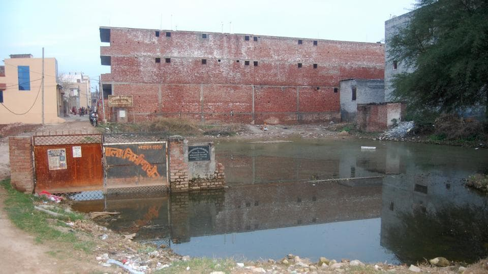 Development seems a distant dream in Nayagaon area, where poor sanitation and water logging issues are a common sight.