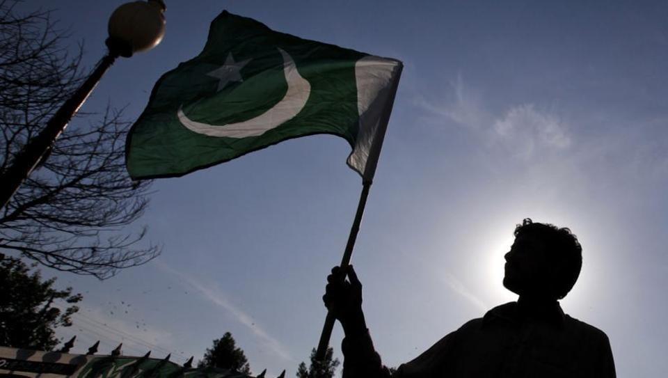 Kashmir,Kashmiri musicians,Pakistani national anthem