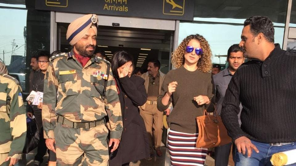 Kangana will be seen romancing Shahid Kapoor, who plays a soldier in Rangoon.
