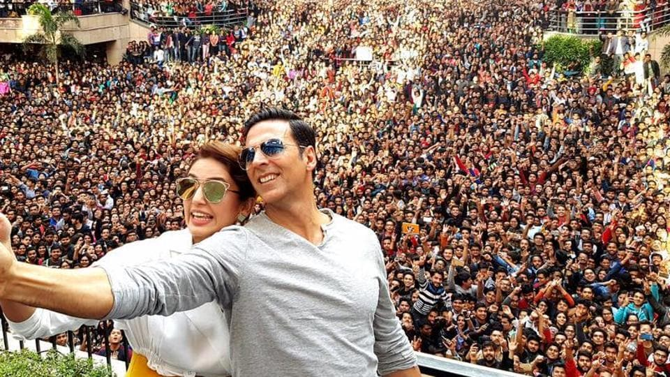 Akshay Kumar visited Amity College in Noida on Monday to promote his upcoming film Jolly LLB 2, along with Huma Qureshi.