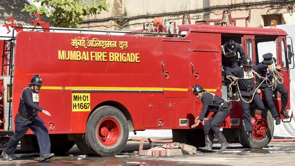 Firemen get started with their routine. (Kunal Patil/Ht photo)
