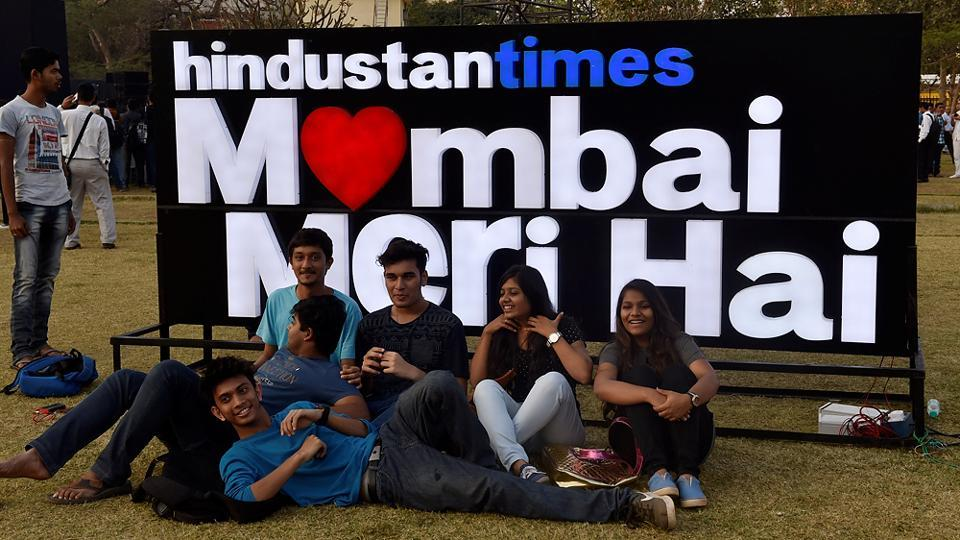 It's always a good time to pose at the fest. (Anshuman Poyrekar/HT PHOTO)