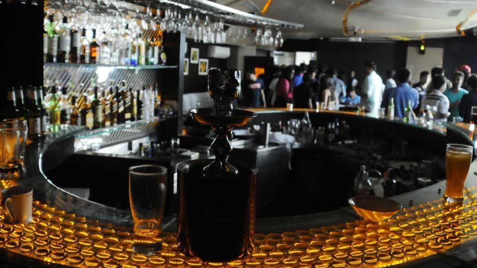 Hookah ban,Gurgaon pubs,nicotine