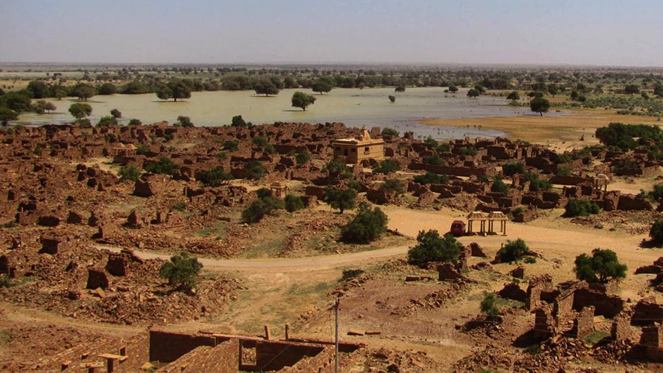 About 18km from Jaisalmer, Paliwal is a protected monument under the Archaeological Survey of India.