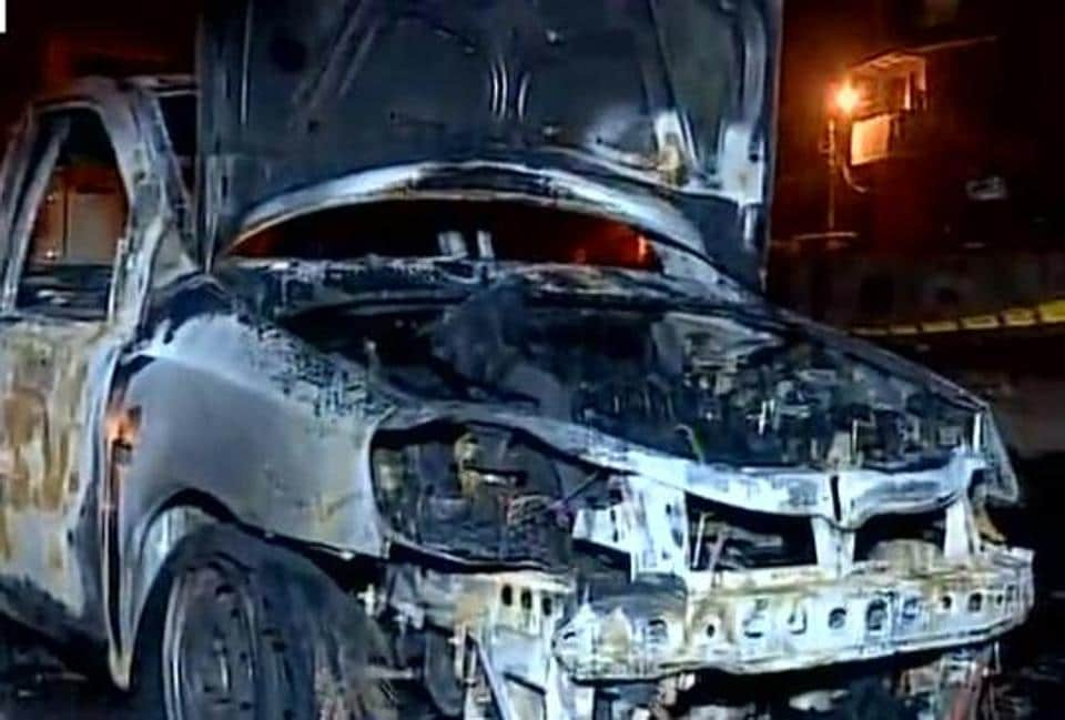 Taxi on fire,Cabbie burnt to death,Sachin Tyagi