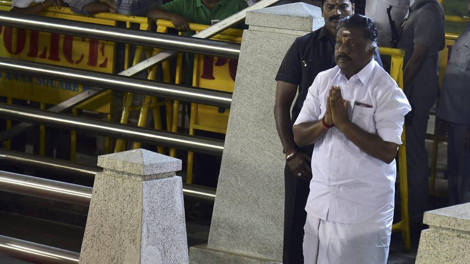 O Panneerselvam,VK Sasikala,Tamil Nadu CM