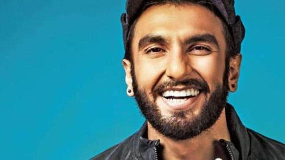 Ranveer Singh tried to do a Shah Rukh Khan from Dilwale Dulhaniya Le Jayenge while Ganesh Acharya plays Kajol's part. However, the stunt ended quite painfully.