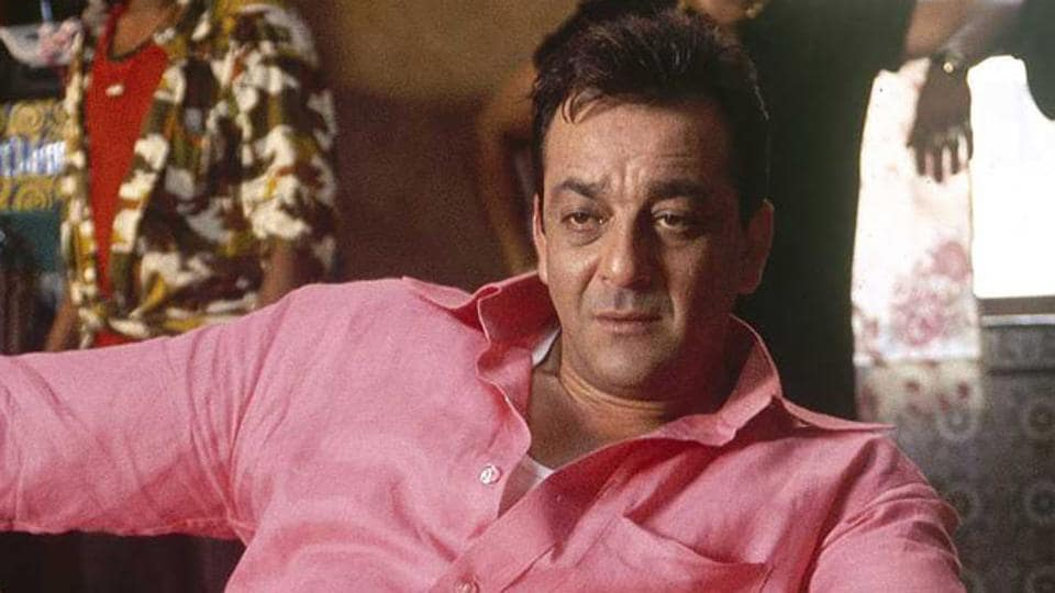Sanjay Dutt worked with his dad in Munnabhai MBBS, which was Sunil's last film.