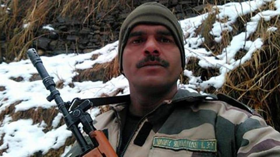 Tej Bahadur, part of the BSF's 29th Battalion, had posted a video on social media showing poor food arrangements at his camp on the border.(Facebook/Tej Bahadur Yadav)