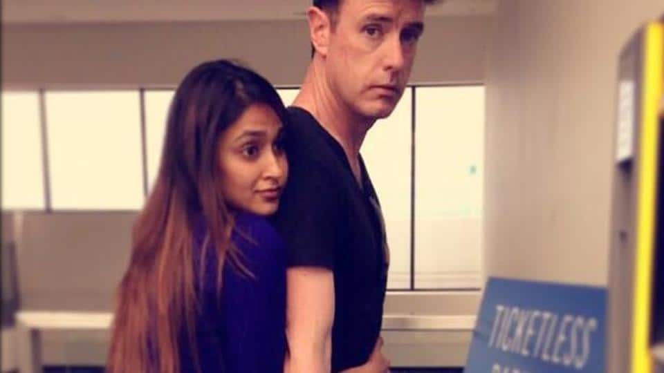 While Ileana looks pleased with herself, Andrew gives a 'what-is-she-even-trying' expression. What we love is that they both look really cute.