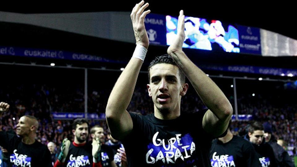 Zouhair Feddal of Deportivo Alaves celebrates with teammates after the Copa del Rey semi-final second leg match against Celta Vigo.