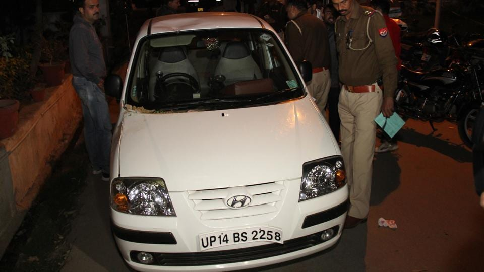 The car in which the suspect Satendra Teotia carried his wife's body was seized by the police.