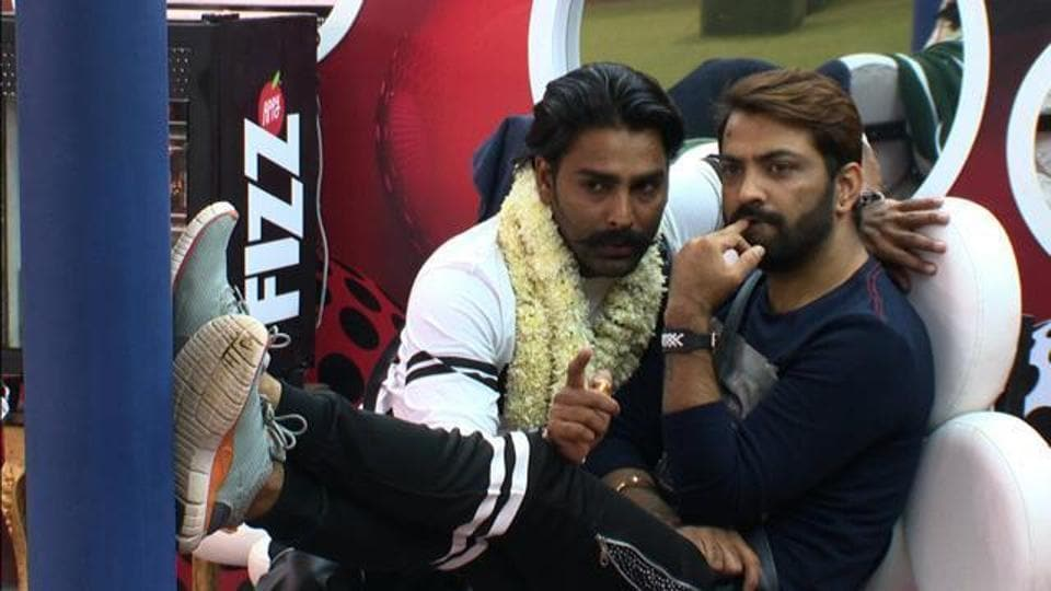 Manveer Gurjar and Manu Punjabi  are busy shooting for Colors' upcoming show Chhote Miyaan Dhaakad 4. Actress Neha Dhupia and filmmaker Sohail Khan are judging the kid's comedy show.