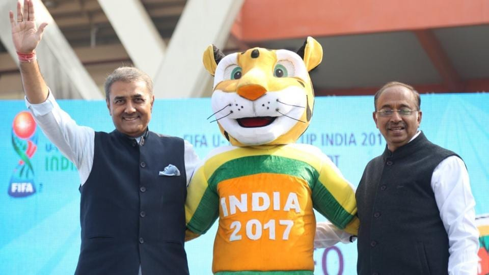 Indian sports minister Vijay Goel and All India Football Federation (AIFF) chief Praful Patel with Kheleo, the official mascot of FIFA U-17 World Cup 2017.
